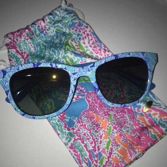 72c30e3292 Lilly Pulitzer Accessories - Lilly Pulitzer Maddie Sunglasses